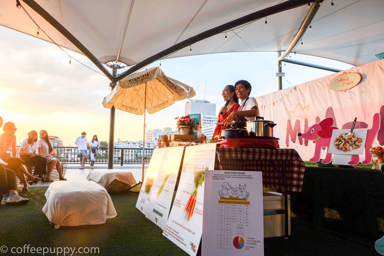 Coffee & Puppy สาธิตการทำอาหารน้องหมา ในงาน Mha Ma Tha 2