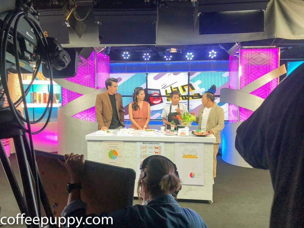 Coffee & Puppy On TV: รายการ ปากลำโพง Amarin TV HD 34 2