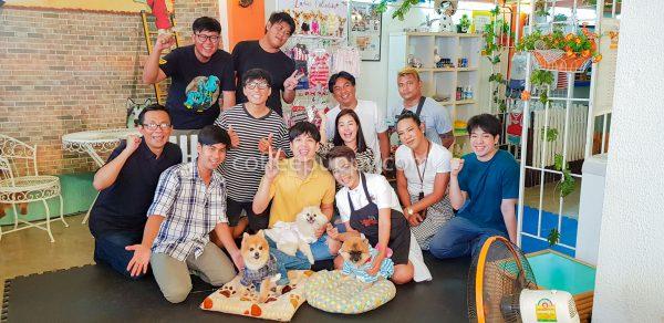 """เบื้องหลังการถ่ายทำรายการ """"ไทยทึ่ง WOW Thailand"""" ที่ร้าน Coffee & Puppy"""