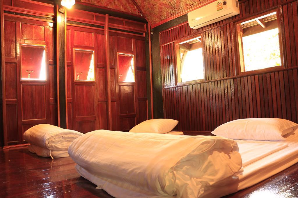 Baanthaeraek Vintage Bungalow,สงขลา